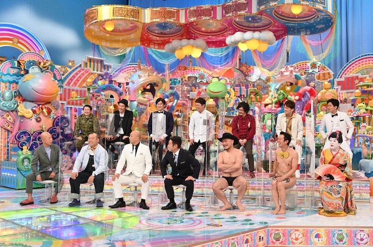 「アメトーーク!」に「ソニー芸人」として出演する(前列左から)バイきんぐ、錦鯉、ハリウッドザコシショウ、アキラ100%、コウメ太夫、(後列左から)やす子、キャプテン渡辺、だーりんず、マツモトクラブ、AMEMIYA、野田ちゃん。(c)テレビ朝日