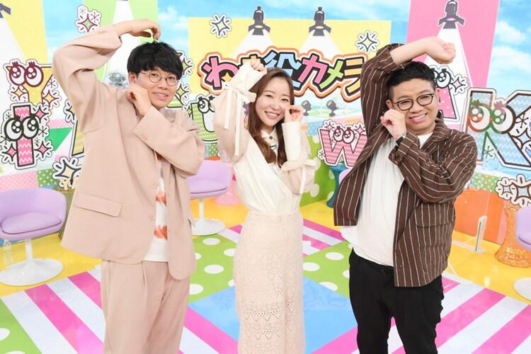ミキと指原莉乃(中央)。(c)TBS