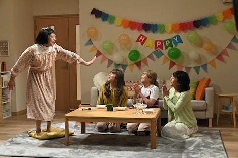 松本人志の新作コント「おめでとう」のワンシーン。(c)TBS