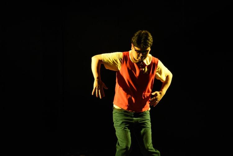 ロボットダンスを披露するはつぴんア・ラ・モード。