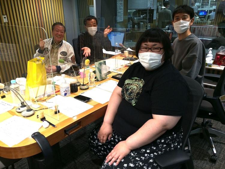 「ナイツ ザ・ラジオショー」にゲスト出演した高田文夫(左)。(c)ニッポン放送