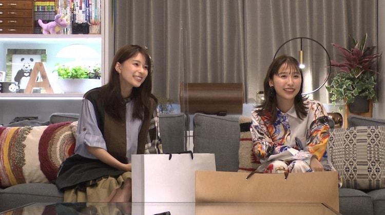(左から)芳根京子、玉井詩織。(c)TBS