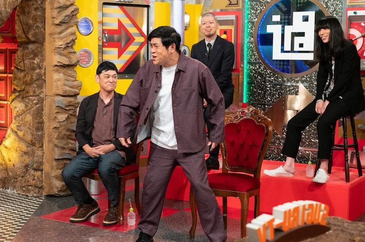 (左から)シャンプーハットてつじ、守谷日和、金属バット。(c)ABCテレビ