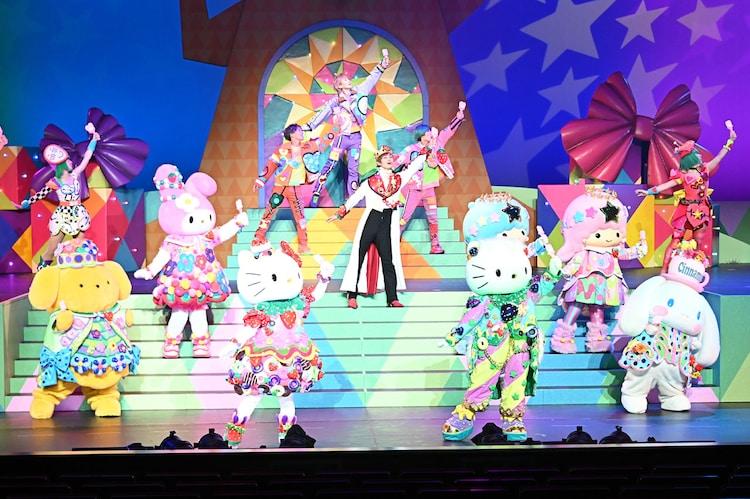 「Sanrio Kawaii ミュージカル『From Hello Kitty』」の様子。(c)2021 SANRIO CO., LTD. APPROVAL NO. L626023
