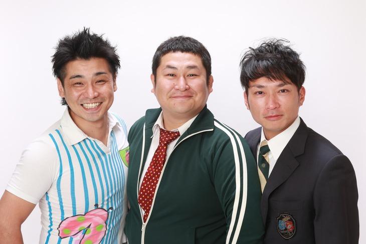 トリオで長く活動したオテンキ。左から、GO、のり、芸人引退を発表した江波戸。