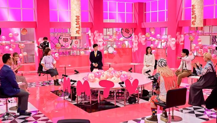 「超S級エンタメ情報 マシマシTV」のワンシーン。(c)日本テレビ