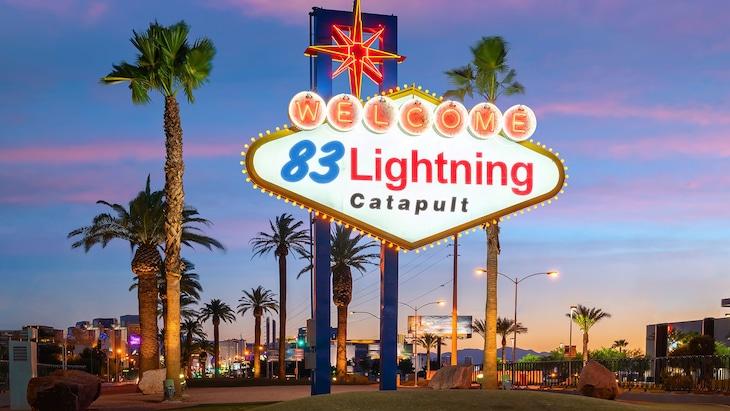 三四郎・相田とアルコ&ピース酒井の「83Lightning Catapult」キービジュアル。
