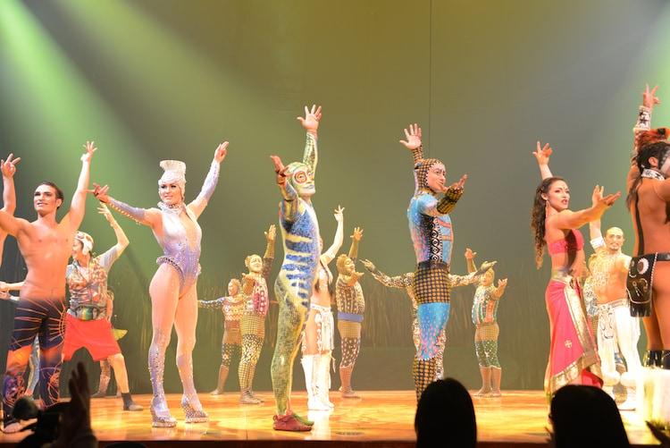 シルク・ドゥ・ソレイユ「トーテム」開幕、生演奏と750着の衣装が彩る ...