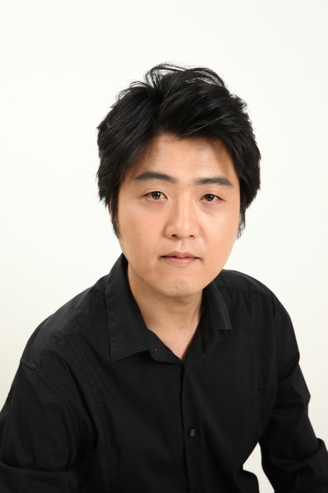 古川健。1978年生まれ。劇団チョコレートケーキ座付劇作家。(撮影:塩谷安弘)