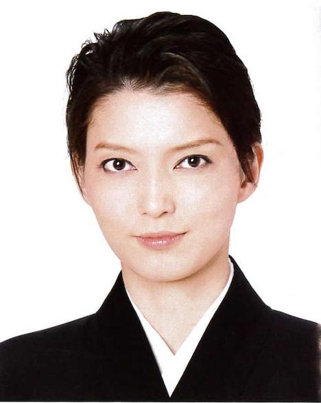 朝夏まなと (c)宝塚歌劇団