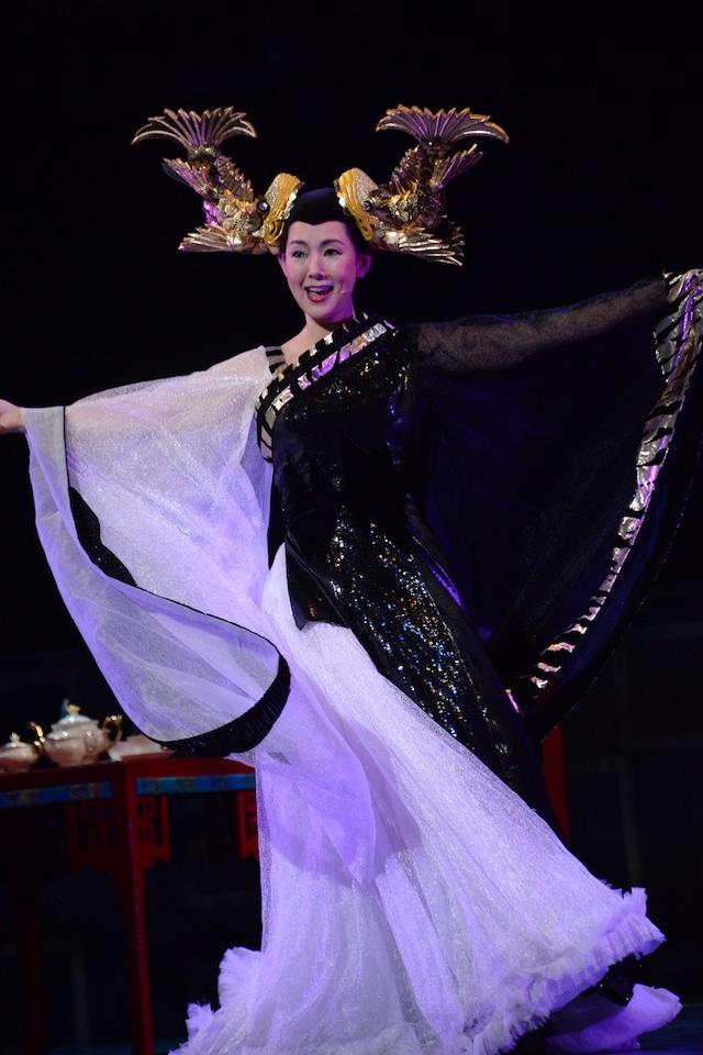 とよた真帆演じる鯱姫。