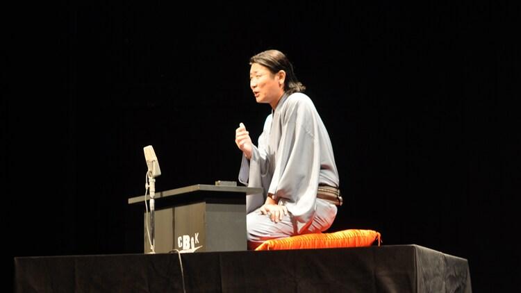 「実験落語neo~シブヤ炎上ふたたび~」に出演した桂三度。