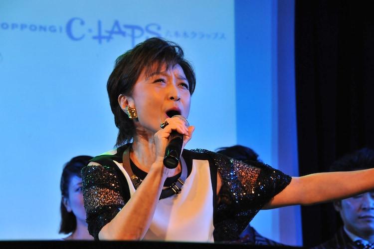 「キャッツ」より「メモリー」を披露した久野綾希子。