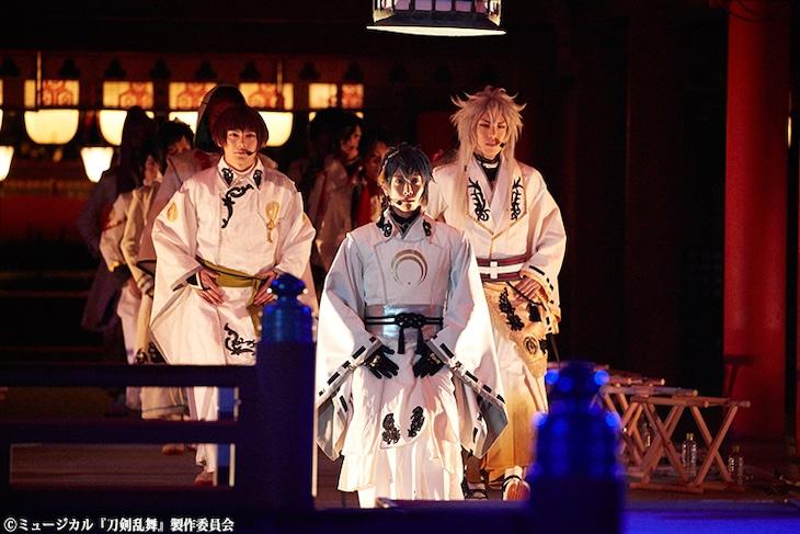 「嚴島神社 世界遺産登録20周年記念奉納行事 ミュージカル『刀剣乱舞』 in 嚴島神社」の様子。