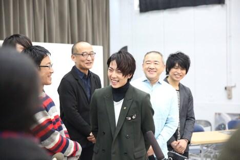 「TOU -JYUKAI-DEN-□」記者会見の様子。