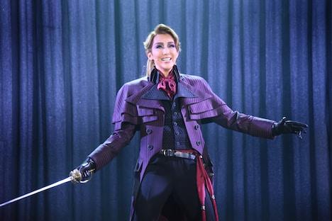 紅ゆずる演じるパーシー・ブレイクニー。