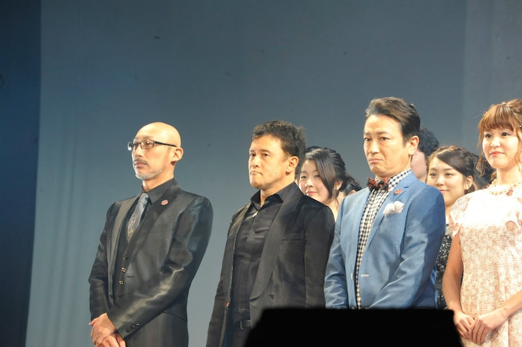 左からテナルディエ役のKENTARO、橋本じゅん、駒田一。