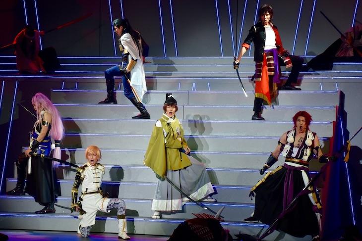 「ミュージカル『刀剣乱舞』 ~三百年の子守唄~」の様子。