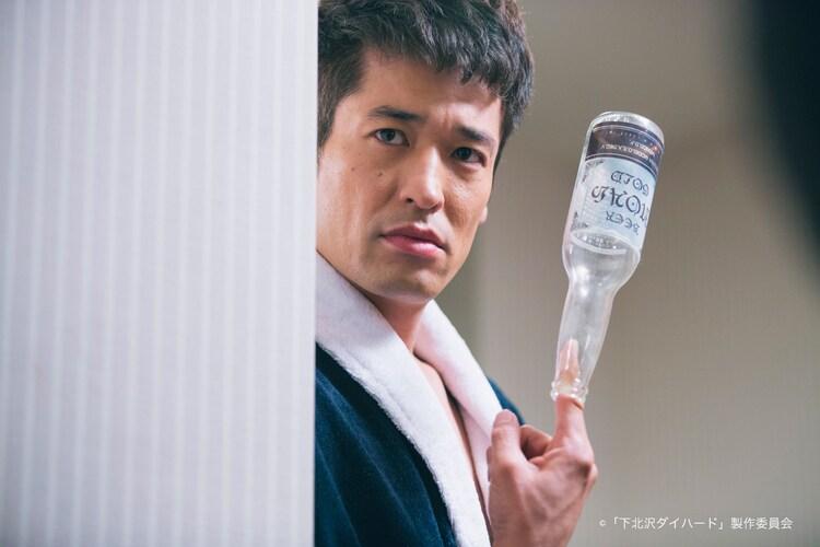 上田誠脚本、戸塚寛人監督「手がビンになった男」より。佐藤隆太。