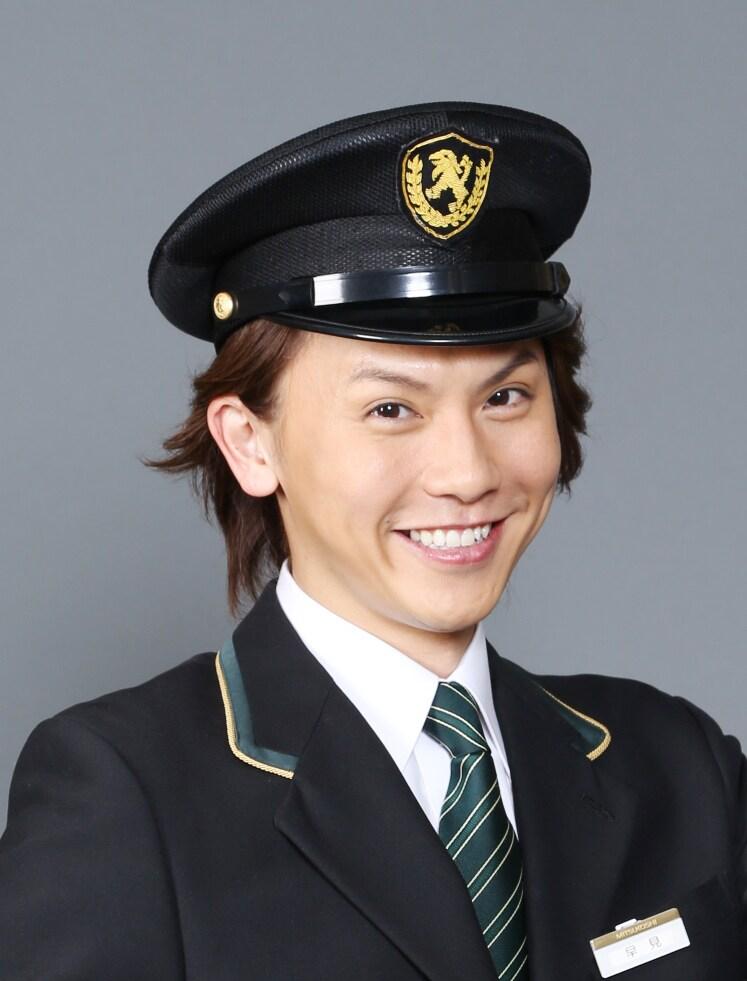 ミュージカル「デパート!」より、岡田亮輔。