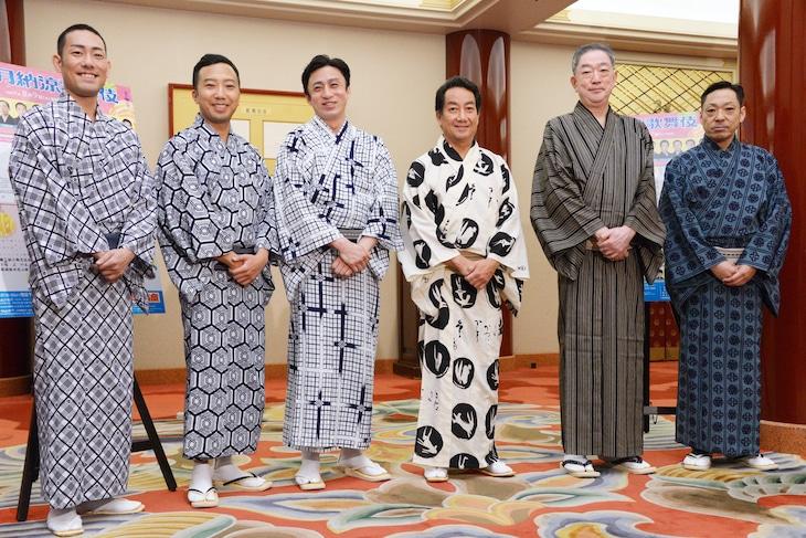 「八月納涼歌舞伎」囲み取材の様子。左から中村勘九郎、市川猿之助、市川染五郎、中村扇雀、坂東彌十郎、市川中車。