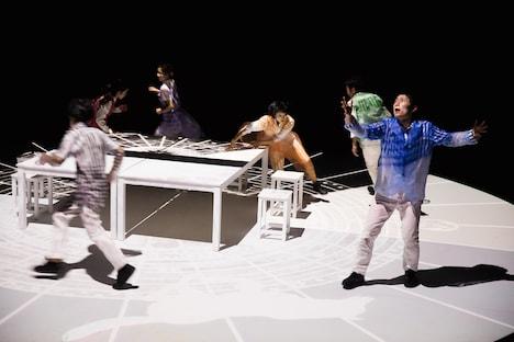 KAAT Dance Series 2017 Nibroll結成20周年 KAAT×Nibroll「イマジネーション・レコード」より。(撮影:前澤秀登)