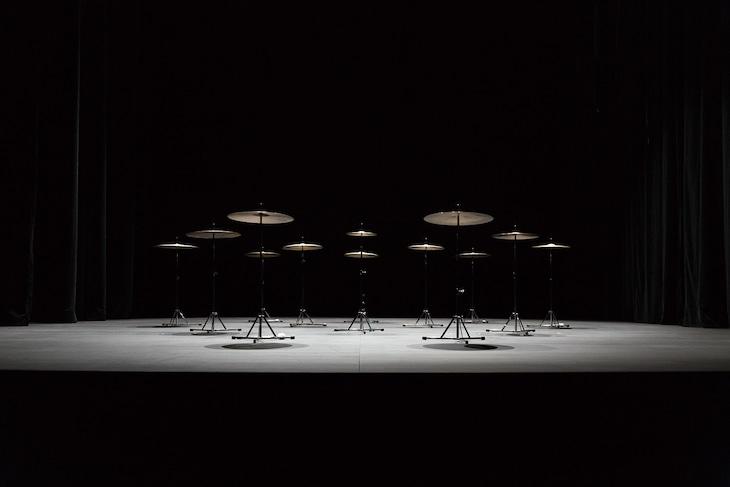 池田亮司×Eklekto「music for percussion」(c)Raphaelle Mueller(Raphaelleの1つめのeはウムラウト付きが正式表記)