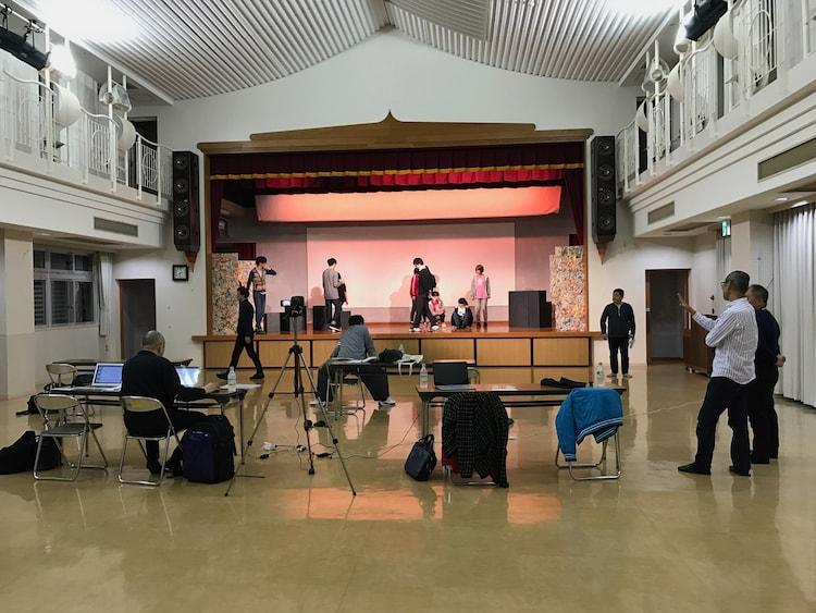 畑澤聖悟が監修を手がけた沖縄公演「いっとーばい ~逃げた知事 泉守紀~」より。