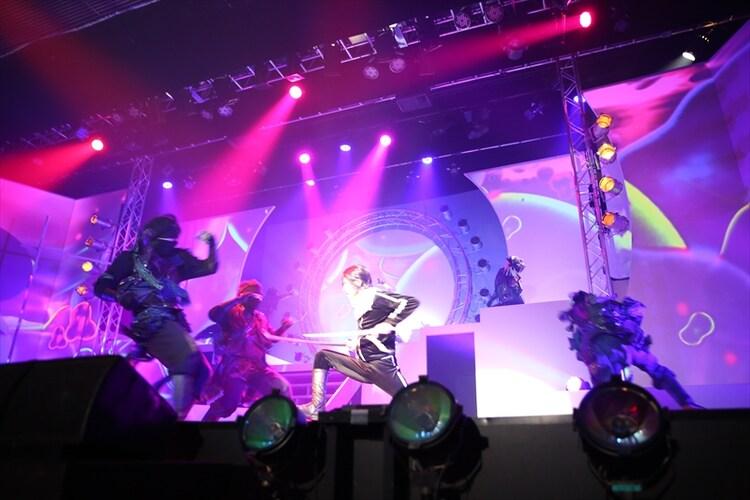 舞台「ノラガミ-神と願い-」より。(c)あだちとか・講談社/舞台「ノラガミ」製作委員会2016