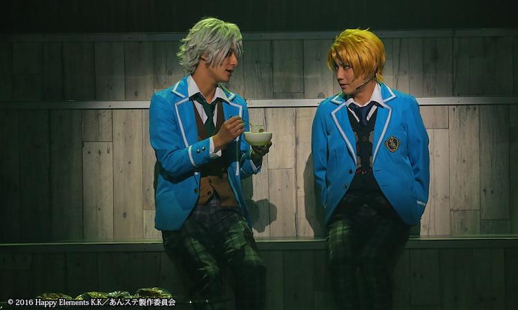 左から高崎翔太演じる瀬名泉、松村泰一郎演じる遊木真。