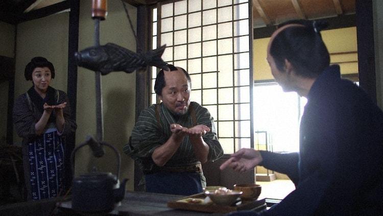 NHK総合「超入門!落語 THE MOVIE」より、左から紫吹淳、マキタスポーツ。(写真提供:NHK)