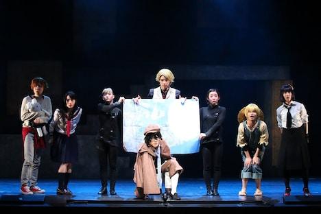 舞台「文豪ストレイドッグス」より。(撮影:宮川舞子)