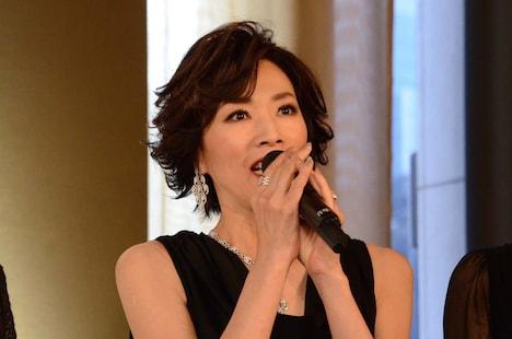 「坂東玉三郎 越路吹雪を歌う『愛の讃歌』」制作発表記者会見より、真琴つばさ。