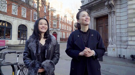 NHK BSプレミアム「英国ロイヤルバレエ ~茜と亮一 プリンシパルの輝き~」より、左から吉田都、遼河はるひ。(写真提供:NHK)