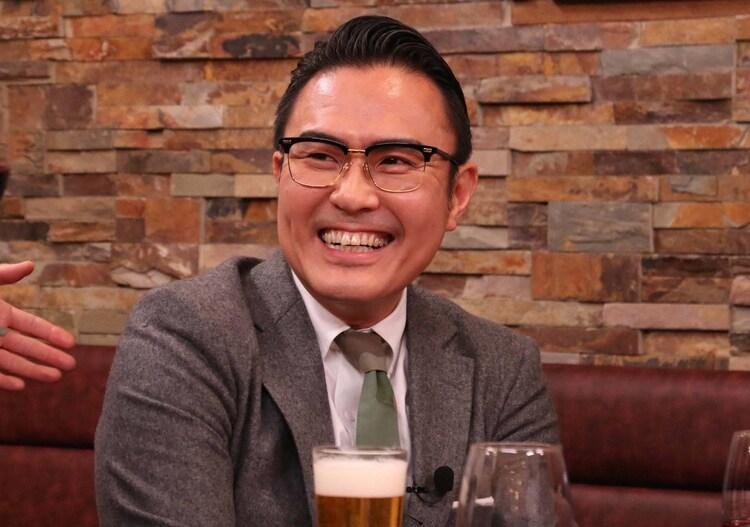 3月9日放送「ダウンタウンなう」の「本音でハシゴ酒」より、市川右團次。(c)フジテレビ