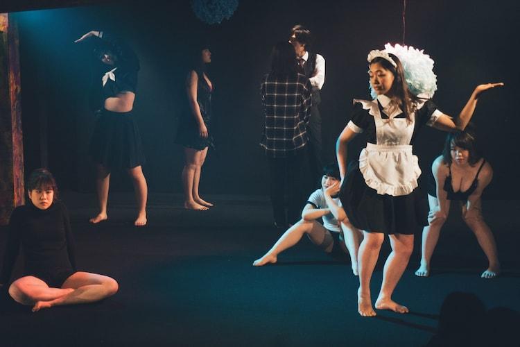 劇団女体盛り 第5回公演「『現代童話』~ふうぞくの恩返し~」より。