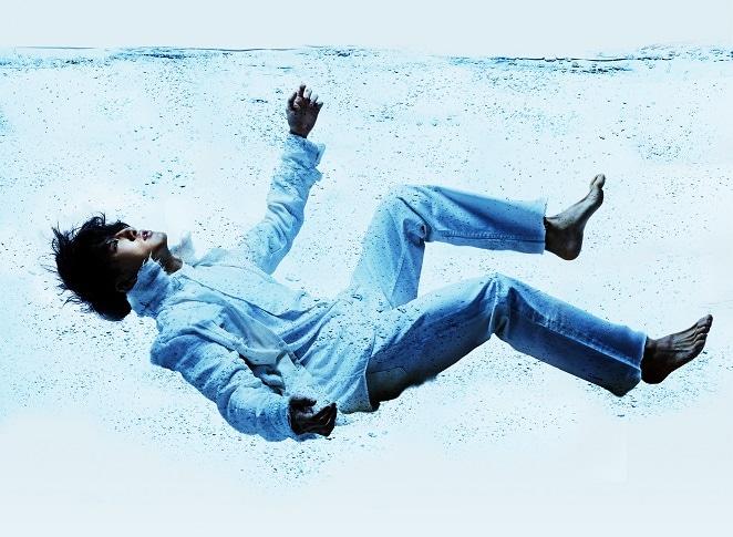 PARCO PRODUCE「『ウォーター・バイ・ザ・スプーンフル』~スプーン一杯の水、それは一歩を踏み出すための人生のレシピ~」ビジュアル