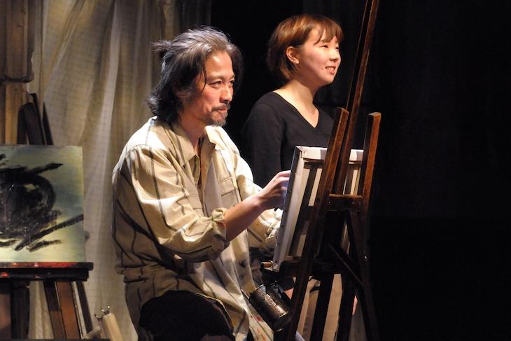 劇団青年座 第231回公演「砂塵のニケ」より。(撮影:坂本正郁)