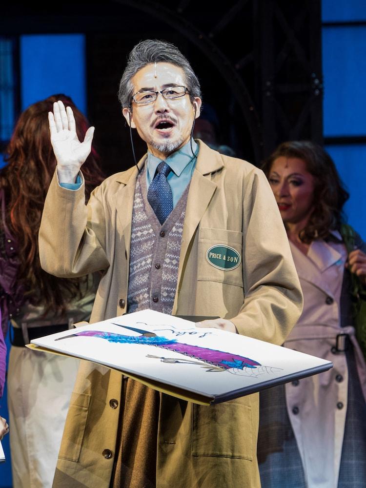 2016年に上演されたブロードウェイミュージカル「キンキーブーツ」より、ひのあらた扮するジョージ。