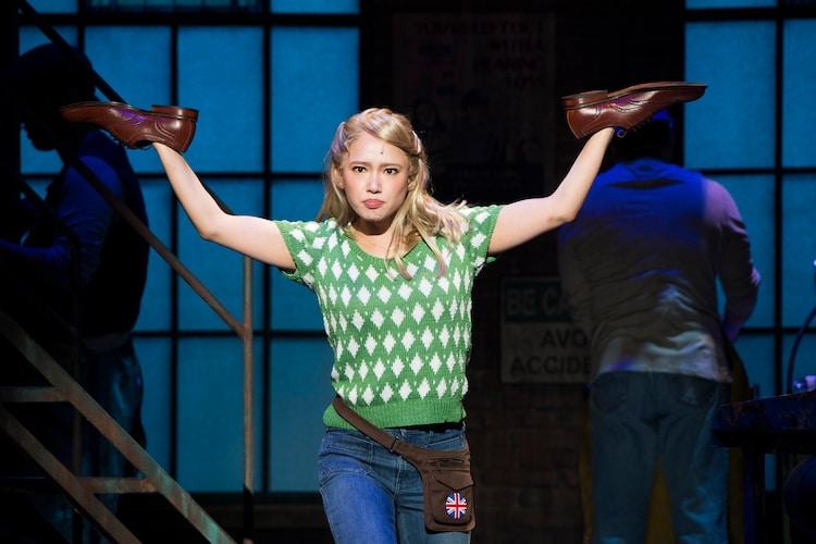 2016年に上演されたブロードウェイミュージカル「キンキーブーツ」より、ソニン扮するローレン。