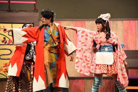 左から松島庄汰演じる沖田総司、中島早貴演じるおつね。