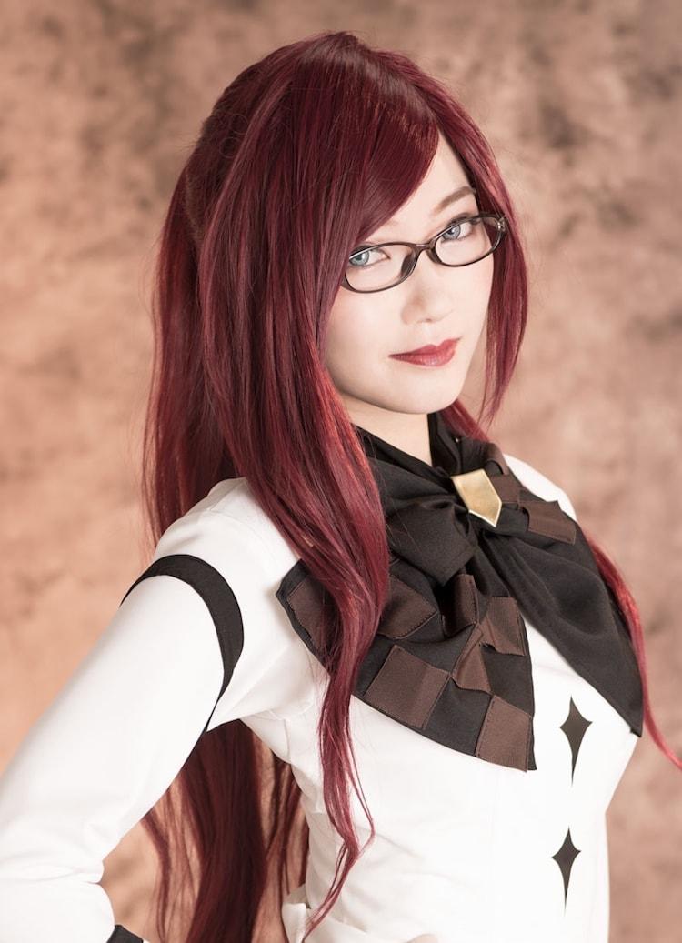 黒田絢子扮する朱鷺宮栞。