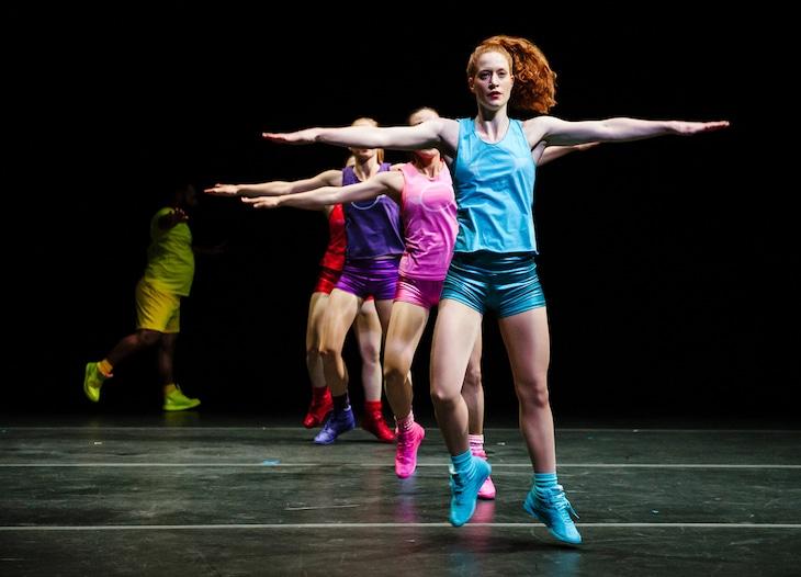 パウラ・ロソレン「Aerobics!- A Ballet in 3 Acts」より。(c)Alex Brenner