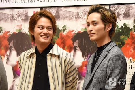 「The Silver Tassie 銀杯」制作発表会より、左から中山優馬、矢田悠祐。