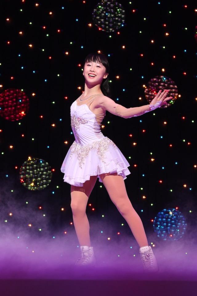 「ブロードウェイ クリスマス・ワンダーランド」過去公演より、本田望結。