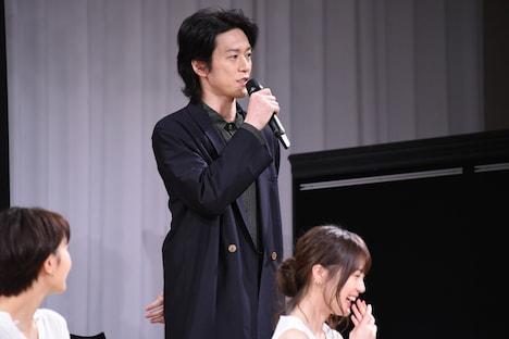 歌唱披露はしていないが声が枯れてしまい、「あれ? 歌いすぎたかな?」と咳払いする宮尾俊太郎。