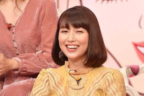 「有田哲平の夢なら醒めないで」より、新妻聖子。(c)TBS