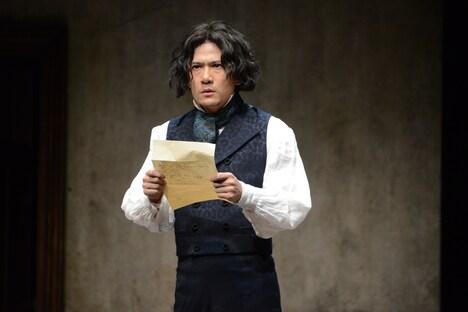 稲垣吾郎演じるルードヴィヒ・ヴァン・ベートーヴェン。