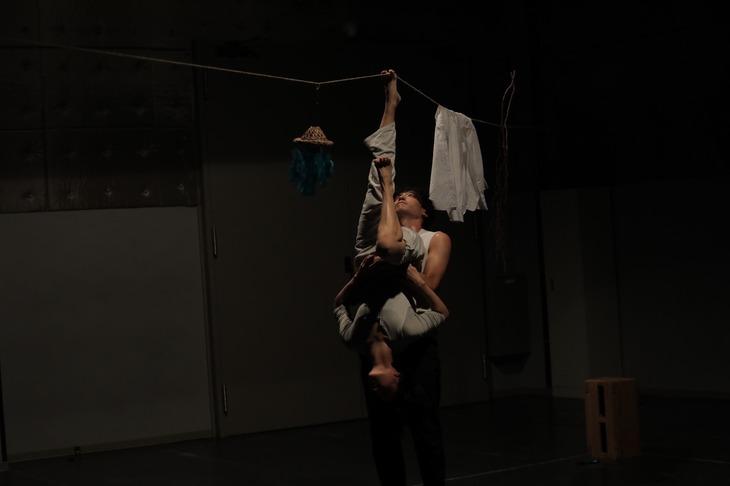 「日本・スペインダンスプロジェクト『トポス』スーパー・デラックス閉店感謝祭り!西麻布より愛を込めて…」より、稽古の様子。(撮影:喜多村みか)