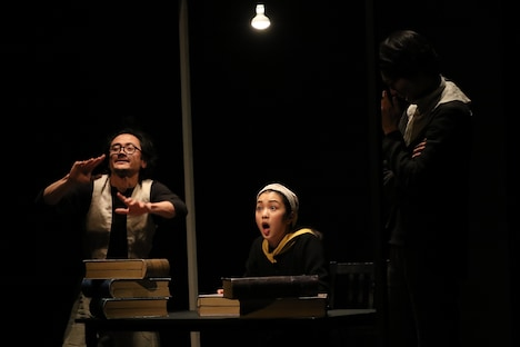 カンパニーデラシネラ「ドン・キホーテ」初演より。(提供:高知県立美術館 / 撮影:釣井泰輔)